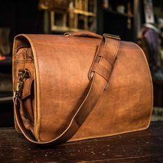 Everett Men's Vintage Leather Messenger Bag   Buffalo Jackson