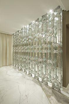 http://lasvit.com/bespoke-installations/modern/private-residence--40?i=0