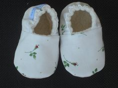 Rose Bud Baby Shoes Baby Slippers Baby Girl Baby by LilSweetiePies, $16.00