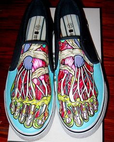 So please check out these acute 12 gorgeous and hand painted shoes and sneaker ideas. Grab your old and worn out shoes, Custom Painted Shoes, Painted Vans, Painted Sneakers, Hand Painted Shoes, Custom Shoes, Canvas Sneakers, Looks Style, Looks Cool, Crazy Shoes
