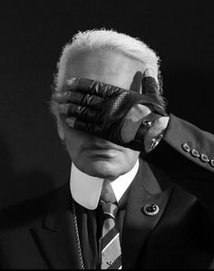 Monsieur Karl Lagerfeld, without Choupette... :(