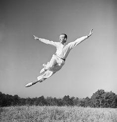 movementaddiction:      Fred Astaire. http://ift.tt/1sjsOmV