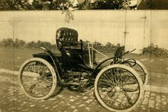 First automobile built by the St. Louis Motor Carriage Company. The car was completed in late April or early May of 1899 and sold to A.L. Lambrechts of St. Louis.