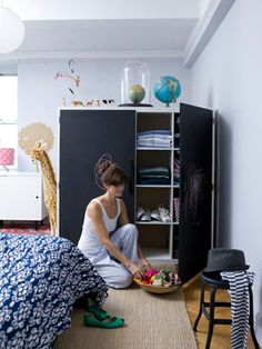 20 Secrets of Extremely Organized People Envy people who keep it all together? Don't hate them -- be one of them. We went to professional organizers to find out what it takes to have a smooth-running household. Here are 20 of their top house rules to bring order to your roost.