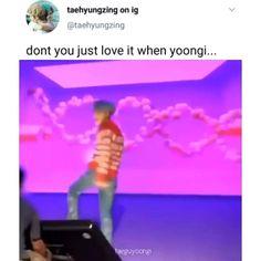 Don't u just love yoongi? Bts Boys, Bts Bangtan Boy, Bts Jimin, Bts Funny Videos, Bts Memes Hilarious, Funny Tweets, Bts Video, Foto E Video, K Pop Wallpaper