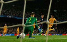 Fernando Torres, a pase de Koke, adelantó al Atlético - Getty Images / Reuters