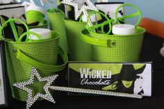 Wizard of Oz's WICKED theme:Favors