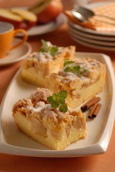 Dostane aj svokru: Jablkový koláč s tvarohom Apple Pie, Yummy Food, Meals, Recipes, Cakes, Basket, Delicious Food, Meal, Cake Makers
