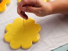 How to make Simple Sunflower Cookies via www.thebearfootbaker.com