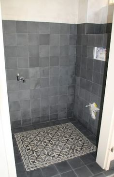 Also # cement tiles - Moderne Inneneinrichtung Bathroom Toilets, Bathroom Renos, Grey Bathrooms, Laundry In Bathroom, Beautiful Bathrooms, Small Bathroom, Master Bathroom, Bathroom Gray, Bathroom Ideas