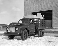 Pictures of Classic Ford Pickup Trucks: 1948 Ford F-1 Dually Truck