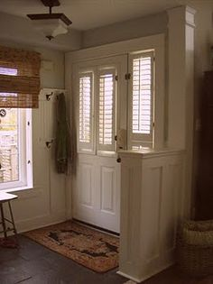 1000 images about entryway ideas on pinterest pony wall - Living room with front entry ...