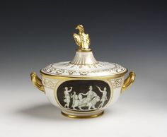 Broth-basin, cover and stand | Naples Royal Porcelain Factory | V&A Search the Collections