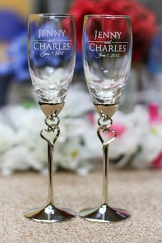 Wedding Gift - Bride and Groom Toasting Glasses - Personalized - Pair Double Heart Champagne Flutes - Custom Engraved Champagne Glasses