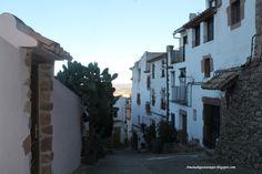 Calle subiendo al castillo