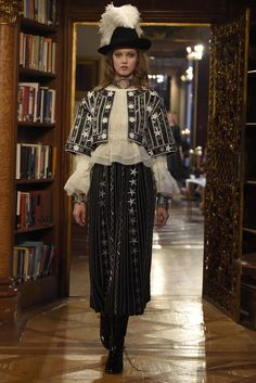 Chanel Pre-Fall 2015 Runway – Vogue