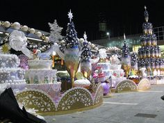 Harbour City Christmas decorations by wyn ♥ lok, via Flickr