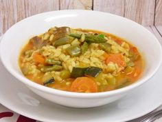 Vegetable rice broth, quick and easy - My Cooking Stuff - Healthy Recipes Vegetarian Recipes, Cooking Recipes, Healthy Recipes, Cooking Stuff, Vegetable Rice Soup, Rice Krispies, Yummy Veggie, Comfort Food, Food Staples