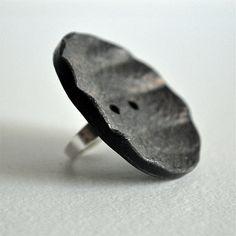 Vintage button ring di RiciclAr su Etsy #handmade #ecodesign #vintage #button #ring