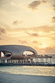 The Whale Bar at the St Regis Maldives Vommuli Resort, a new hotel in the Maldives. Photo by Jenny Zarins for Condé Nast Traveller