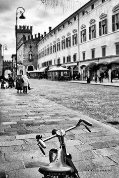 Twitter / turismoER: Un giro in bicicletta per il centro di Ferrara by Erika Poltronieri