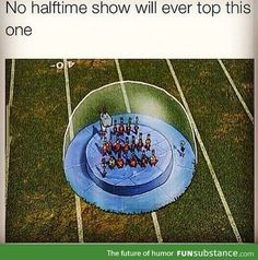 I think Spongebob at the Superbowl would make the best halftime show of all time Funny Cute, The Funny, Hilarious, Funny Spongebob Memes, Funny Memes, Cartoon Memes, Katy Perry, Pineapple Under The Sea, It Goes On