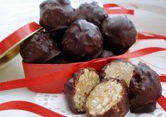 Recept Arašídové kuličky v čokoládě hotové za 10 minut No Cook Desserts, Food To Make, Cheesecake, Deserts, Muffin, Pudding, Sweets, Candy, Baking