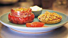 Sooooo good! This one right here! > Karine Moulin's Summer Strawberry Pie