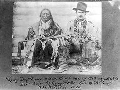 Вождь Длинный Пес, один из сподвижников Сидящего Быка, и солдат канадской Королевской конной полиции. Канада