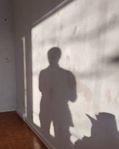 Aurinkoenergiaa ja seinien pohjatöitä . . . #sisanna #sisannasisustus #maalaammeilolla #pohjatyöt #hyvinonnistuu #aurinko #siistiäsisätyötä #pakkanenpaukkuu #pintaremontti #huoneistoremontti Sissi, Instagram, Home Decor, Decoration Home, Room Decor, Interior Decorating