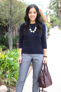 Business Casual: Navy Sweater + Grey slacks + Maroon tote + statement necklace - Outfits for Work Business Professional Outfits, Business Casual Outfits, Office Outfits, Office Wear, Business Attire, Work Outfits, Office Uniform, Office Attire, School Outfits
