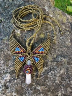 Butterfly macramé necklace with Mangano Calcita Macrame Colar, Macrame Rings, Macrame Necklace, Macrame Knots, Macrame Jewelry, Micro Macramé, Yarn Crafts, Diy And Crafts, Collar Hippie
