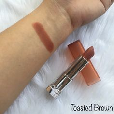 Maybelline The Powder Mattes by Color Sensational in the shade Toasted Brown MNU 11 Maybelline Powder Matte Lipstick, Matte Lipstick Shades, Brown Lipstick, Kylie Makeup, Skin Makeup, Eyeshadow Makeup, Makeup Cosmetics, Color Sensational, Makeup Needs