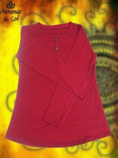DISPONIBLE!!, Remara manga larga color bordo con botones en escote y hombro derecho. Talle único.