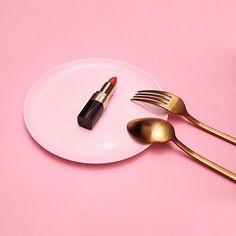 Breakfast, lunch, & dinner 💄 @adrienneraquel