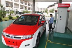 Chinese automakers show EVs but volume production is a future concept - See more at: http://www.pluginindia.com/1/post/2014/05/chinese-automakers-show-evs-but-volume-production-is-a-future-concept.html#sthash.FTrXDuYU.dpuf