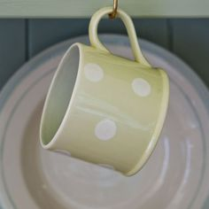 Pottery-Straight-Mug--Green-White-Spot