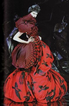 Alexander McQueen - Love the colors