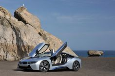 The #BMWi8 comes with scissor doors made out of aluminium, carbon and…