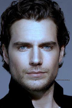 Henry Cavill ~ Ese hermoso par de ojos... ❤❤❤❤❤