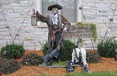 Prop Showcase: - Pirates - I invoke the right of Parley! Pirate Halloween Decorations, Pirate Halloween Party, Halloween School Treats, Pirate Decor, Halloween Forum, Halloween Scarecrow, Halloween Haunted Houses, Outdoor Halloween, Halloween Season