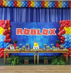 12 ideas para tu fiesta temática Roblox Roblox Birthday Cake, Birthday Candy, Lego Birthday Party, 7th Birthday, Birthday Party Centerpieces, Balloon Decorations Party, Costume Birthday Parties, Kids Party Themes, Party Ideas