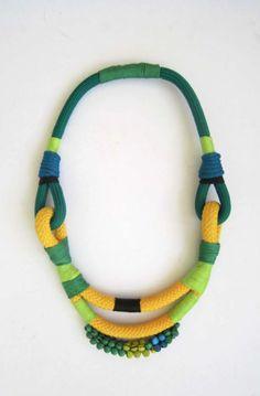 www.cewax.fr aime ce collier ethno tendance, style ethnique. Dans le même style, visitez la boutique de CéWax : http://cewax.alittlemarket.com/ #Africanfashion, #ethnotendance -