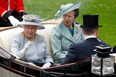 - Photo - Royal Ascot: Princess Eugenie, Sophie Wessex, Autumn Phillips and Zara Tindall joined the Queen and royal family at Ladies' Day on Thursday Prinz Andrew, Royal Ascot Ladies Day, Kate Und William, Autumn Phillips, Zara Looks, Die Queen, Prinz William, Zara Phillips, Monochrome Fashion