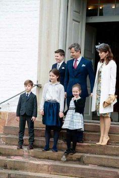 Kronprinsfamilien i dag til fætters konfirmation i Fredensborg ❤