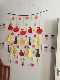 Top 40 Examples for Handmade Paper Events - Everything About Kindergarten Fruit Crafts, Tree Crafts, Diy And Crafts, Arts And Crafts, Paper Fruit, Fruit Art, Fall Art Projects, Projects For Kids, Preschool Food Crafts