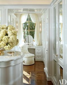 Find home décor inspiration at Architectural Digest. Everything you'll need to design each and every room in your house, from the kitchen to the master suite. Dressing Room Closet, Closet Bedroom, Closet Space, Dressing Rooms, Dressing Area, Dressing Tables, Master Closet, Wardrobe Room, Dressing Mirror