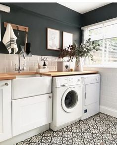 Best Laundry Room Decorating Ideas To Inspire You - Page 44 of 53 - VimDecor - laundry room ideas, laundry room organization, laundry room design, laundry room decor - Laundry Room Organization, Laundry Room Design, Bathroom Laundry, Utility Room Inspiration, Interior Inspiration, Design Inspiration, Landry Room, Modern Laundry Rooms, Casas Containers