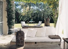 Outdoor Sofa, Outdoor Furniture, Outdoor Decor, Ideas Terraza, Small Garden Design, Terrazzo, Dream Garden, The Great Outdoors, Interior Inspiration