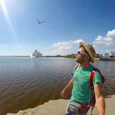 Flying photobomber! #happytraveller #cuba #Caribbean #celestyalcruises #travel #explore #instatravel #selfie #gopro #skaitv  At the back our cruise ship #celestyalCrystal is waiting for us at the port of #cienfuegos to continue our #cubacruise with @celestyalcruises